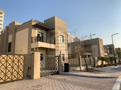 5 Bedroom Villa for Rent in Dubailand, Dubai - Well Maintained and Large Independent Villa