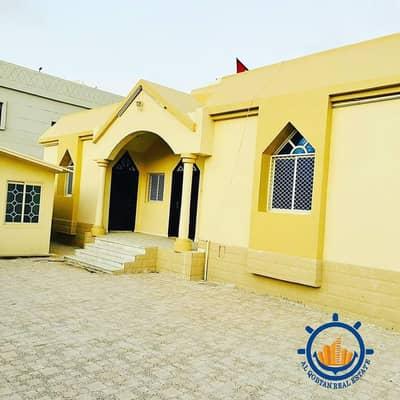 3 Bedroom Villa for Sale in Al Rawda, Ajman - Villa for sale at a very attractive price, great location, large area, 6400 feet