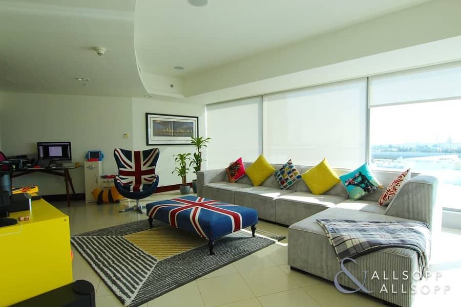 2 Modern Apartment | Burj Views | 1743 SqFt