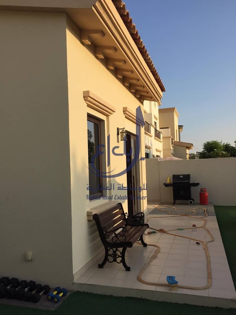 2 SINGLE ROW/PERFECT CONDITION/POOL AND PARK VIEW /1E