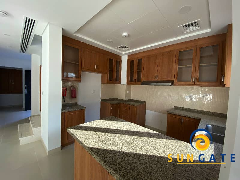 11 Two Bed | Single Row Facing Desert | D+