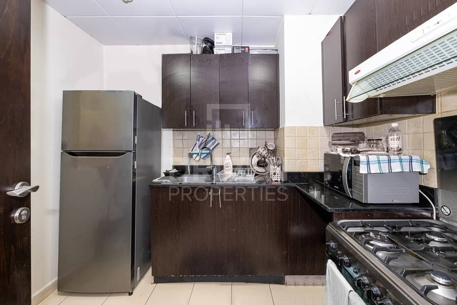 2 Vacant on Transfer | Semi-Furnished Unit