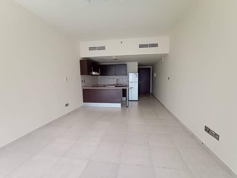 2 Studio with balcony | High Floor | Full Lake View