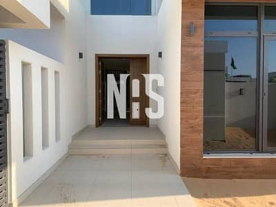 5 Bedroom Villa for Sale in Yas Island, Abu Dhabi - Luxurious Modern Corner Villa Double Row BIG PLOT.!