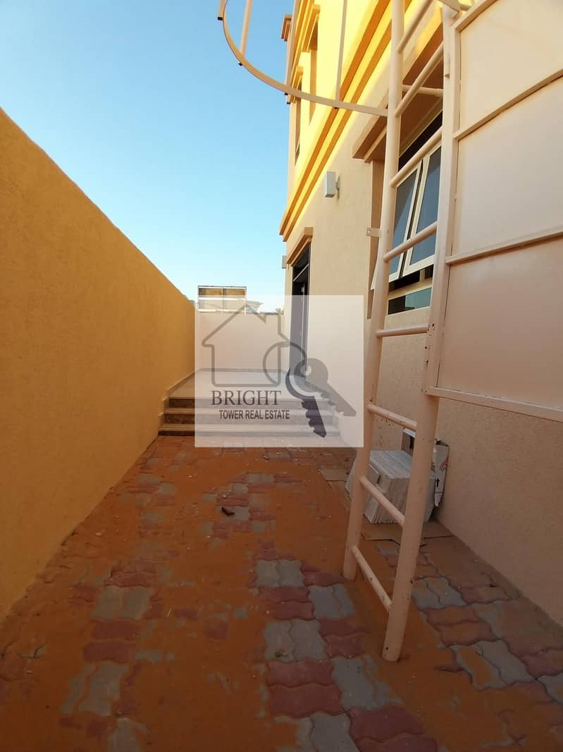 17 VIP Brand New 3Bhk Duplex Villa With Balcony For Rent Al Khabisi 110K