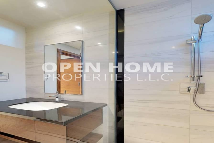 2 Unbelievable & Affordable 4BR with Boulevard & Al Qurm View for 11.5M