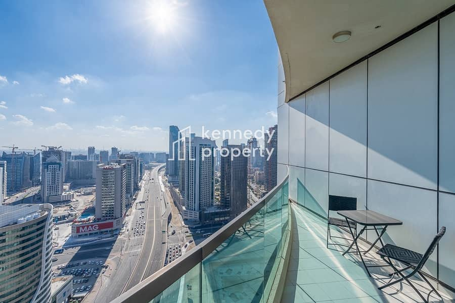 13 Spacious Living | Fully Furnished I Downtown View