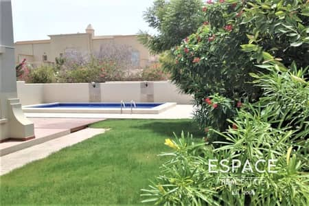 فیلا 3 غرف نوم للبيع في الينابيع، دبي - Large Plot 3 Bedrooms plus Study Room and Pool