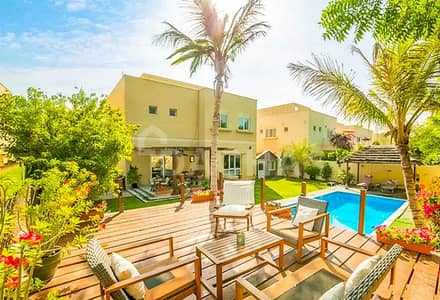 3 Bedroom Villa for Sale in The Meadows, Dubai - Upgraded Single Row 3 Bed with Private Pool