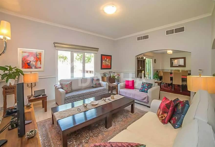 2 Upgraded Single Row 3 Bed with Private Pool