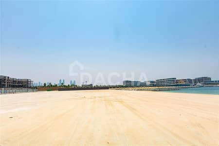 Plot for Sale in Jumeirah, Dubai - GENUINE OFFER  /  Beach Plot  /  Best Location