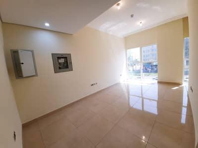 شقة 1 غرفة نوم للايجار في شارع النجدة، أبوظبي - شقة في شارع النجدة 1 غرف 44999 درهم - 4977902