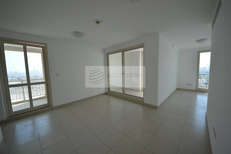 2 Bright And Spacious | Lake View | Vacant 2 Bedroom