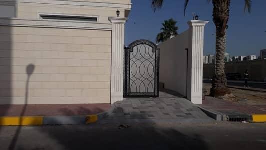 فیلا 4 غرف نوم للايجار في الكرامة، أبوظبي - brand new luxury villa