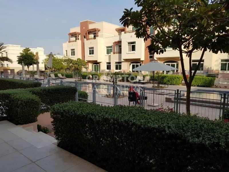 Corner   Rented   Pool and garden View Terrace