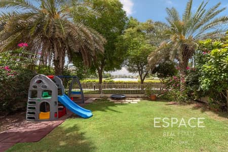 فیلا 3 غرف نوم للبيع في الينابيع، دبي - Prime Location | Lake View | Type 2E