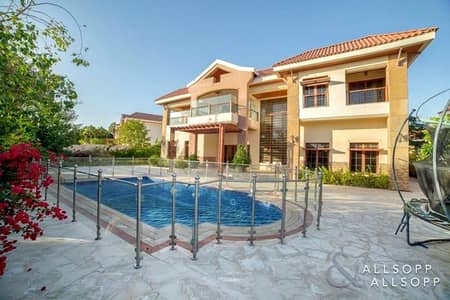 5 Bedroom Villa for Sale in Jumeirah Islands, Dubai - 5 Bed Mansions | Large Plot | Private Pool