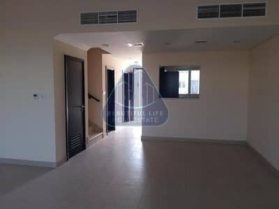3 Bedroom Townhouse for Sale in International City, Dubai - Middle Unit 3 Bedroom Townhouse  For Investment