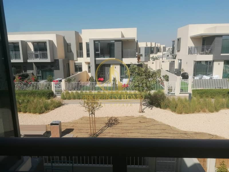2 Exclusive |  4 BHK Deal in Maple 1| Single Row