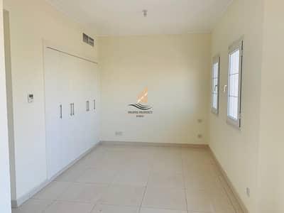 تاون هاوس 2 غرفة نوم للايجار في الينابيع، دبي - Fully upgraded Well Maintained single row 4E villa in Springs 9