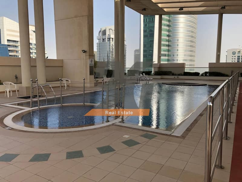 11 Bright 2 bed with balcony close to metro