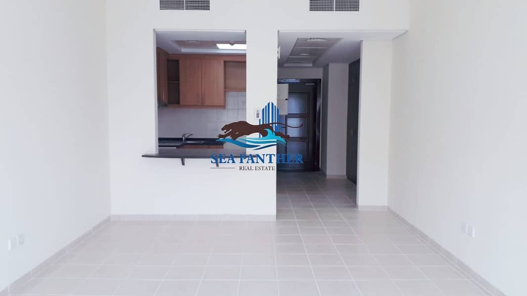 XXL STUDIO WITH BALCONY | 23K ONLY BY 4 CHEQUES