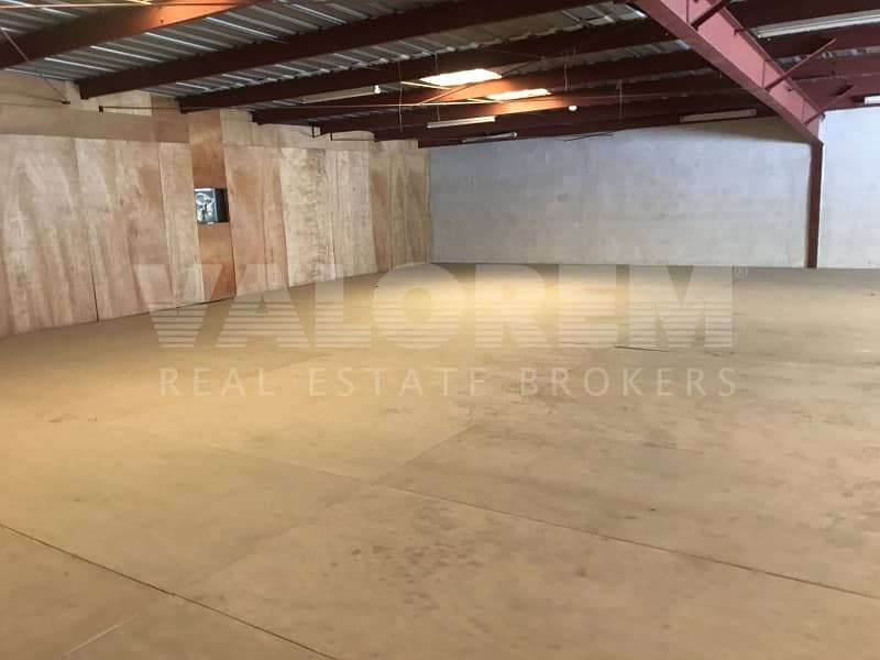 Warehouse for Rent | High ceiling | Umm Ramool