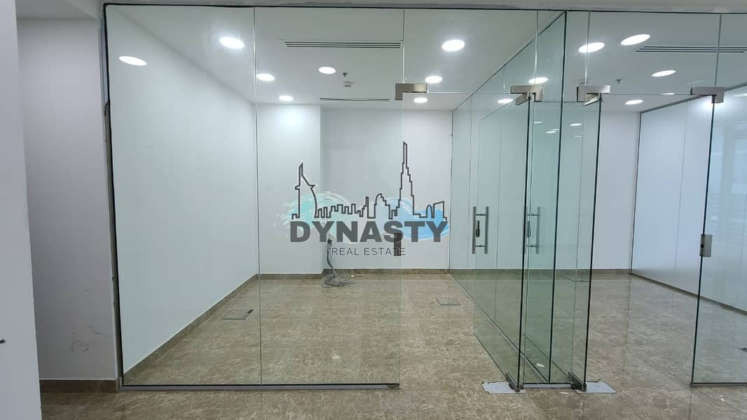 2 Fully Fitted | Glass Partitions | 3 Parkings