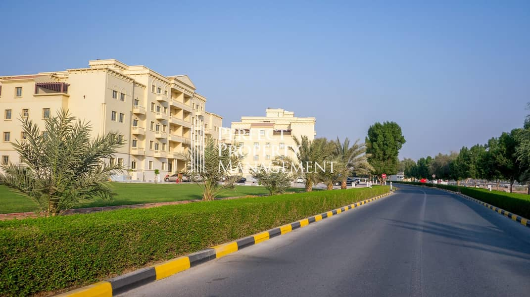 14 For rent :  Beautiful 1 BHK Apartment in Yasmin Village