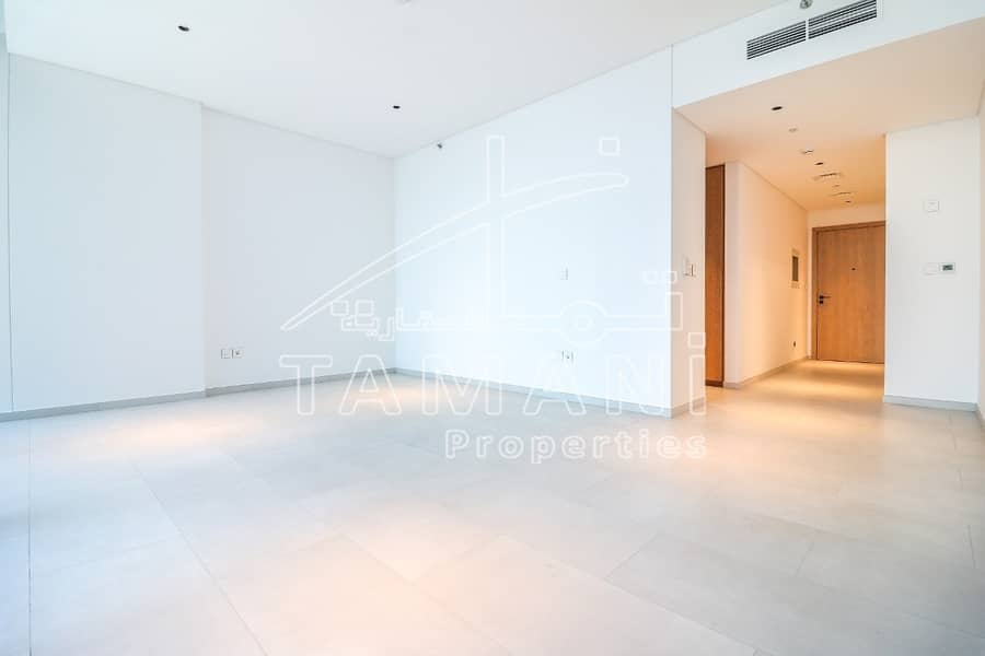2 Modern Fitted   Great Location   High floor