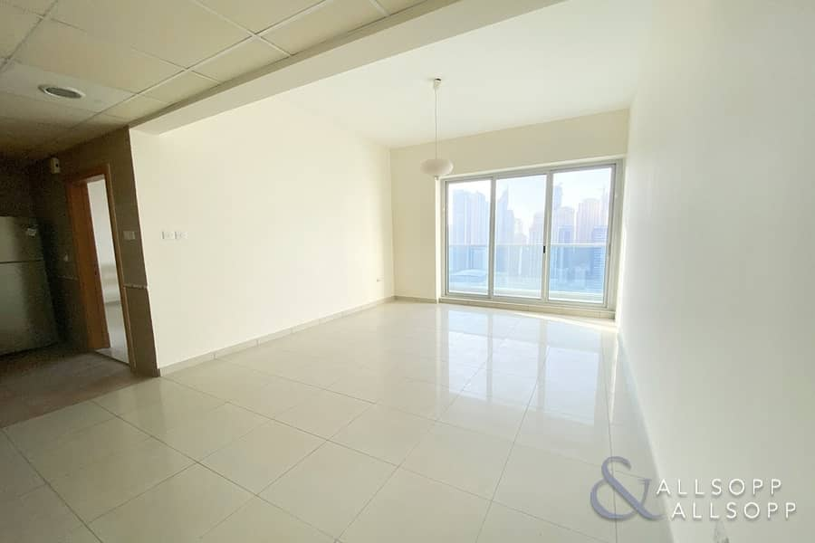 2 Vacant Now   One Bedroom   Close To Metro