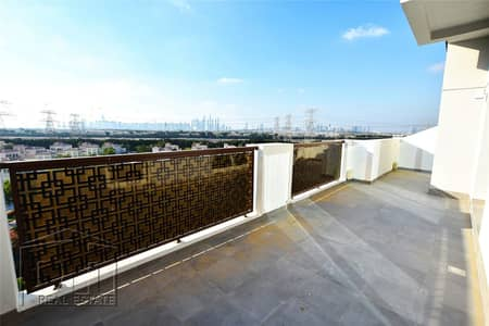 2 Bedroom Flat for Rent in Jumeirah Village Triangle (JVT), Dubai - Large 2 Bed | Huge Terrace | Amazing View