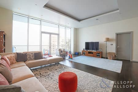 3 Bedroom Apartment for Sale in Palm Jumeirah, Dubai - New | Three Beds | Upgraded | High Floor
