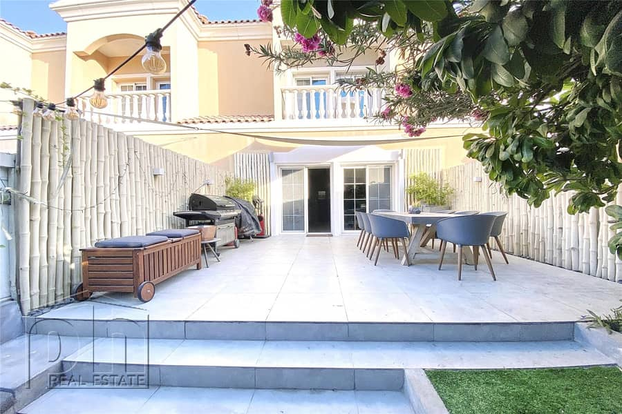 2 Fully Upgraded | Beautiful Garden | 2 Bed