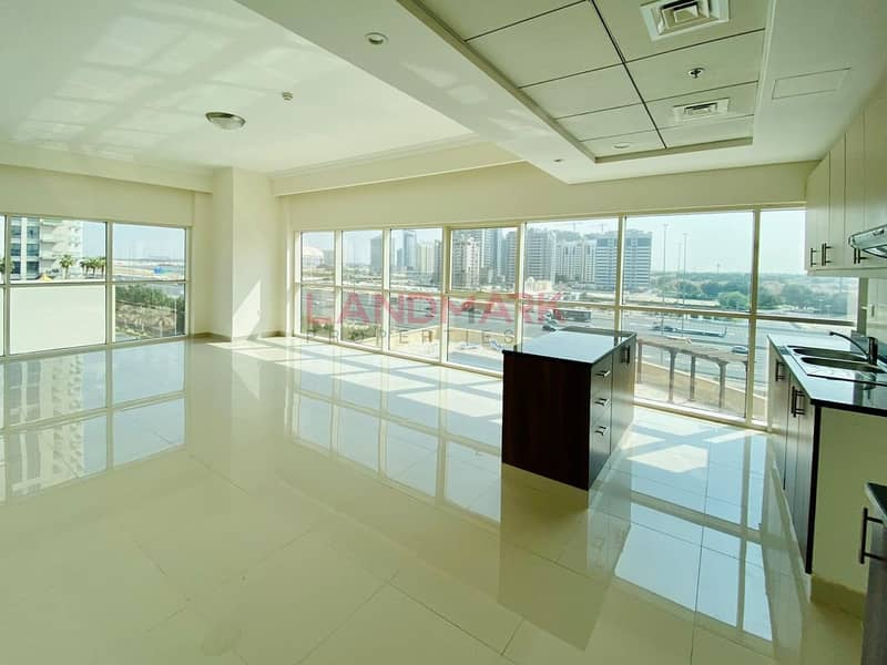 SPACIOUS BRIGHT 2 BHK+MAID GOLF AND CITY VIEW in JVC