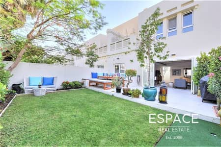 3 Bedroom Villa for Sale in The Lakes, Dubai - Exclusive | Upgraded and Extended 3 Beds