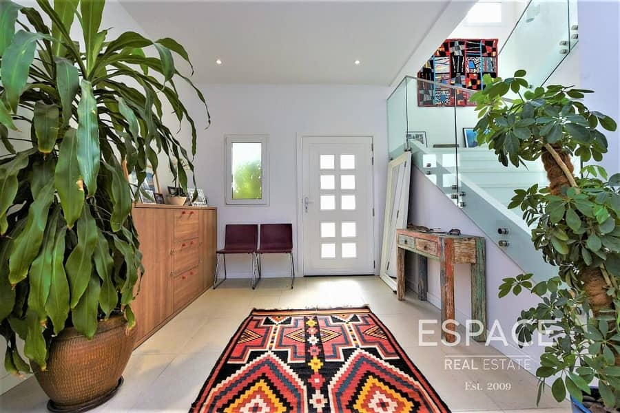 2 Exclusive | Upgraded and Extended 3 Beds