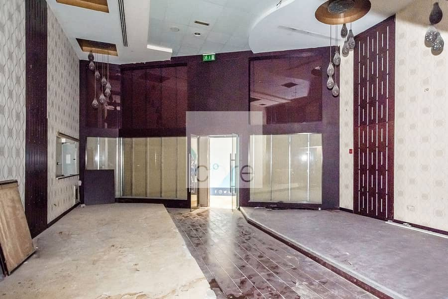 2 Fitted Retail | Prime Location | Parking