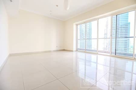 2 Bedroom Apartment for Sale in Jumeirah Lake Towers (JLT), Dubai - Spacious 2 Bedrooms with Lakeview in JLT For Sale