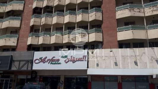 شقة 2 غرفة نوم للايجار في شارع حمدان، أبوظبي - Window AC | Balcony | Spacious Rooms | 4 Chqs