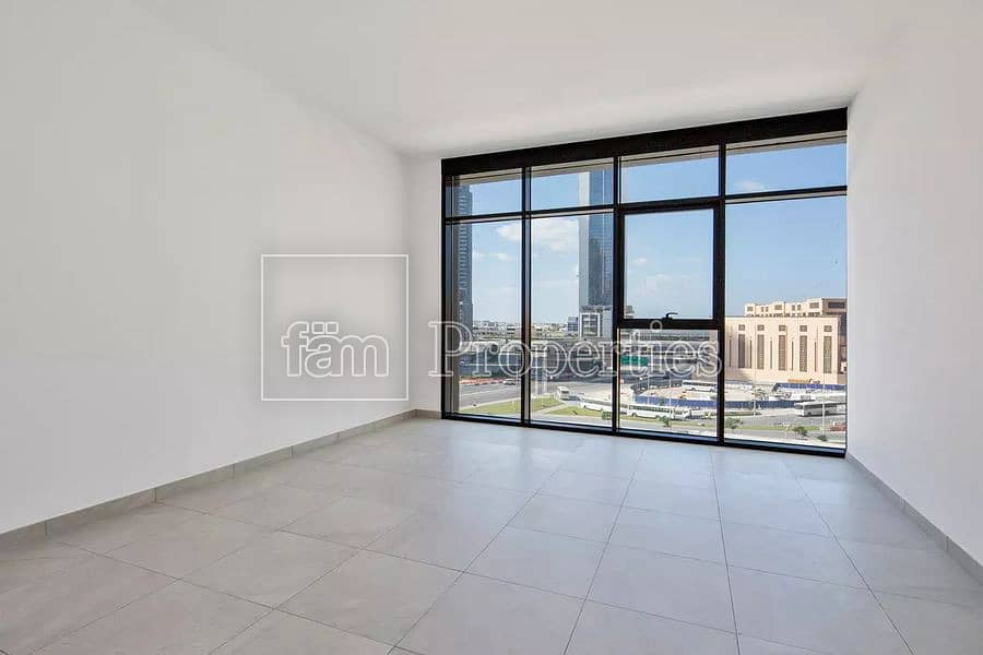 2 High-floor apt with stunning Dubai views\VACANT