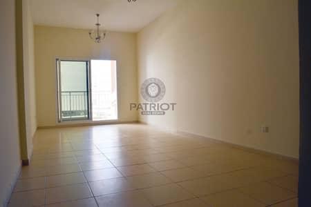شقة 3 غرف نوم للبيع في ليوان، دبي - Rented 3BR for Sale in Mazaya 7   Nice Deal