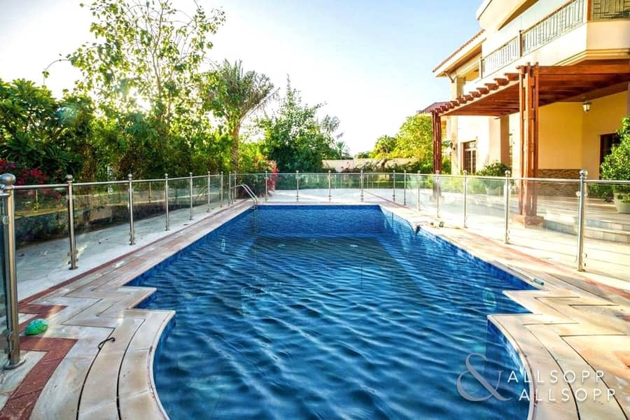 2 5 Bed Mansions | Large Plot | Private Pool
