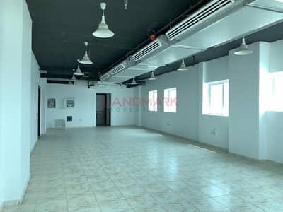 مکتب  للايجار في القصيص، دبي - Huge Office for Rent in Rahaf Tower
