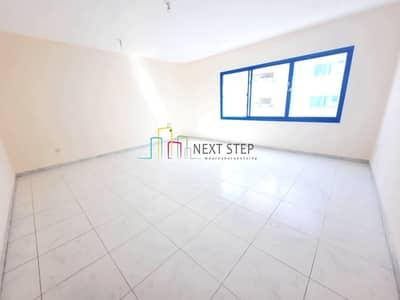 فلیٹ 3 غرف نوم للايجار في مدينة زايد، أبوظبي - Well Priced & Elegant Three Bedroom Apartment with Balcony