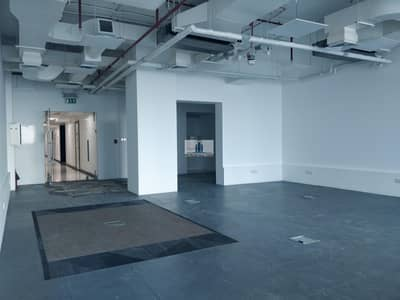 Office for Rent in Business Bay, Dubai - Bathroom Inside | Near Metro | Fitted | Sea View | Bright | Open Plan