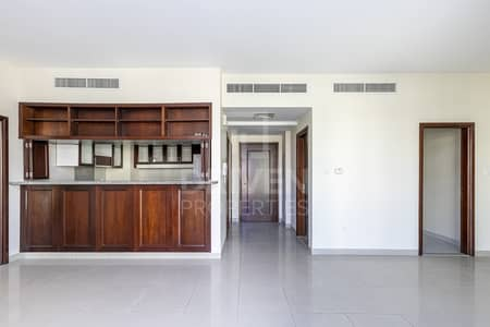 2 Bedroom Flat for Rent in The Views, Dubai - Spacious | Laundry room | Community View