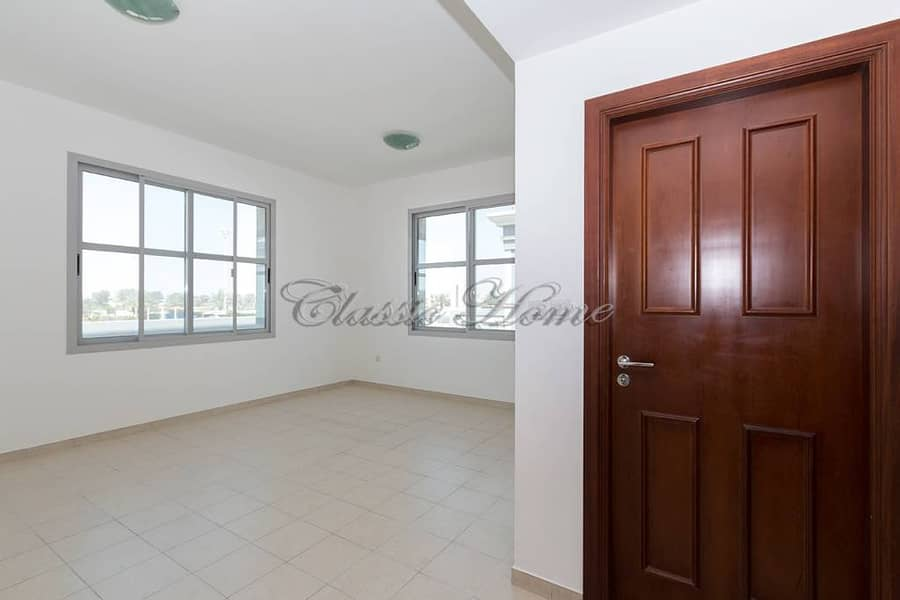 2 5 B/R Detached New World Style@ Falcon City For 170 K