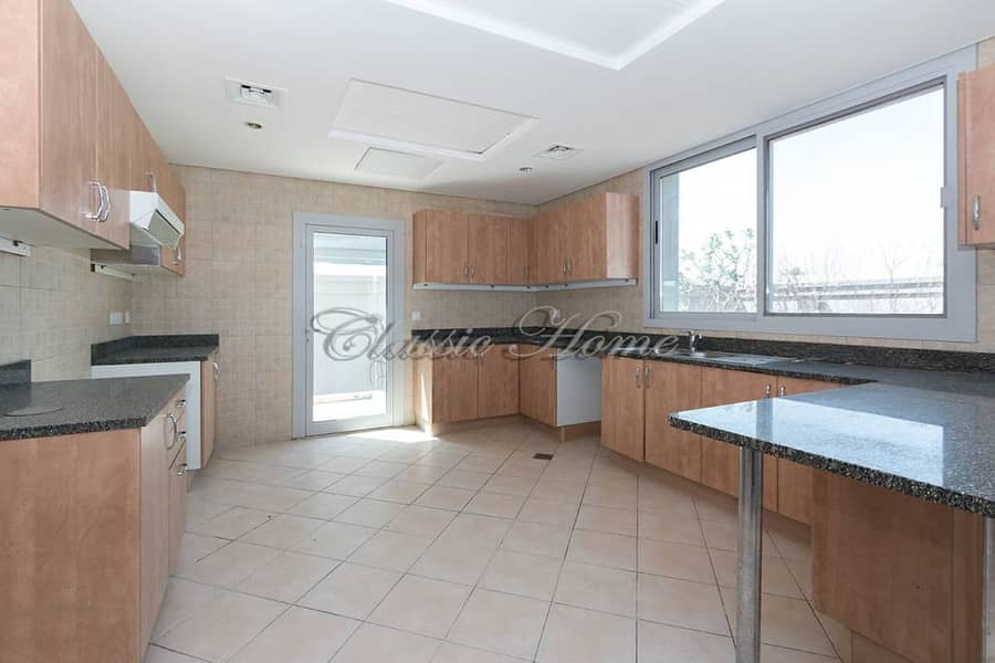 6 5 B/R Detached New World Style@ Falcon City For 170 K