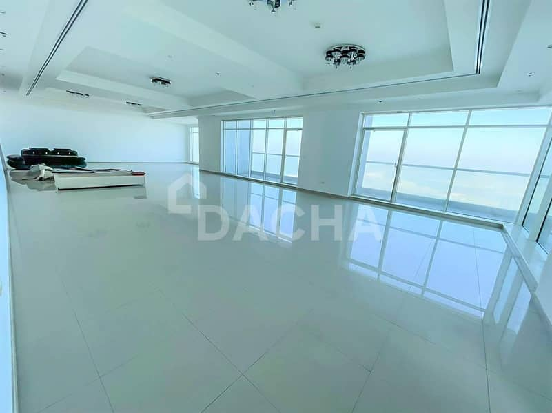 PENTHOUSE / Incredible Views / 5 Bed +Maid+Study